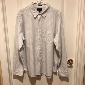 American Eagle Outfitters Button Down Shirt